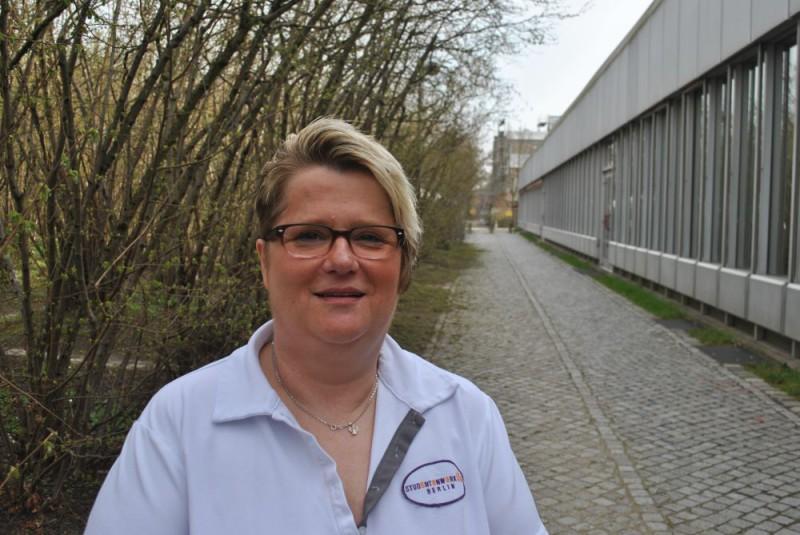 Sorgt seit 35 Jahren Jahren für den Pausenkaffee von Berliner Studierenden: Carola Glasenapp. Foto: Josta van Bockxmeer
