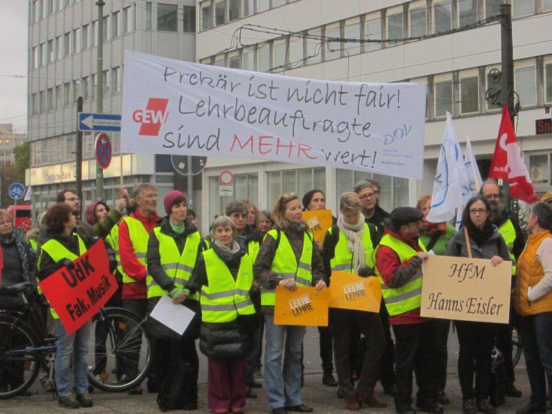 Demonstration der Lehrbeauftragten in Berlin. Foto: Josta von Bockxmeer