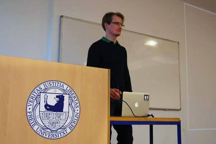 """""""Wir generieren brutal viel Daten"""": Zalandos IT-Chef Philipp Erler zu Gast an der FU. Foto: Julian Jestadt"""