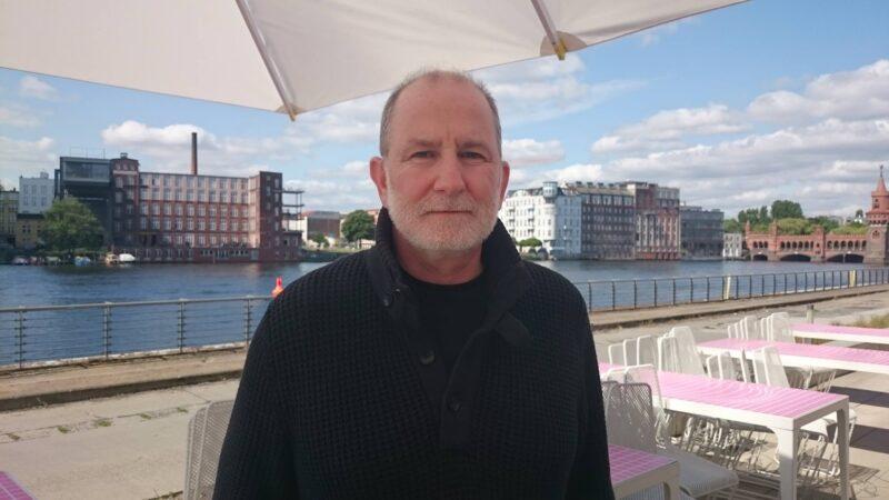 Zu Besuch in Berlin: der preisgekrönte Regisseur Bill Guttentag