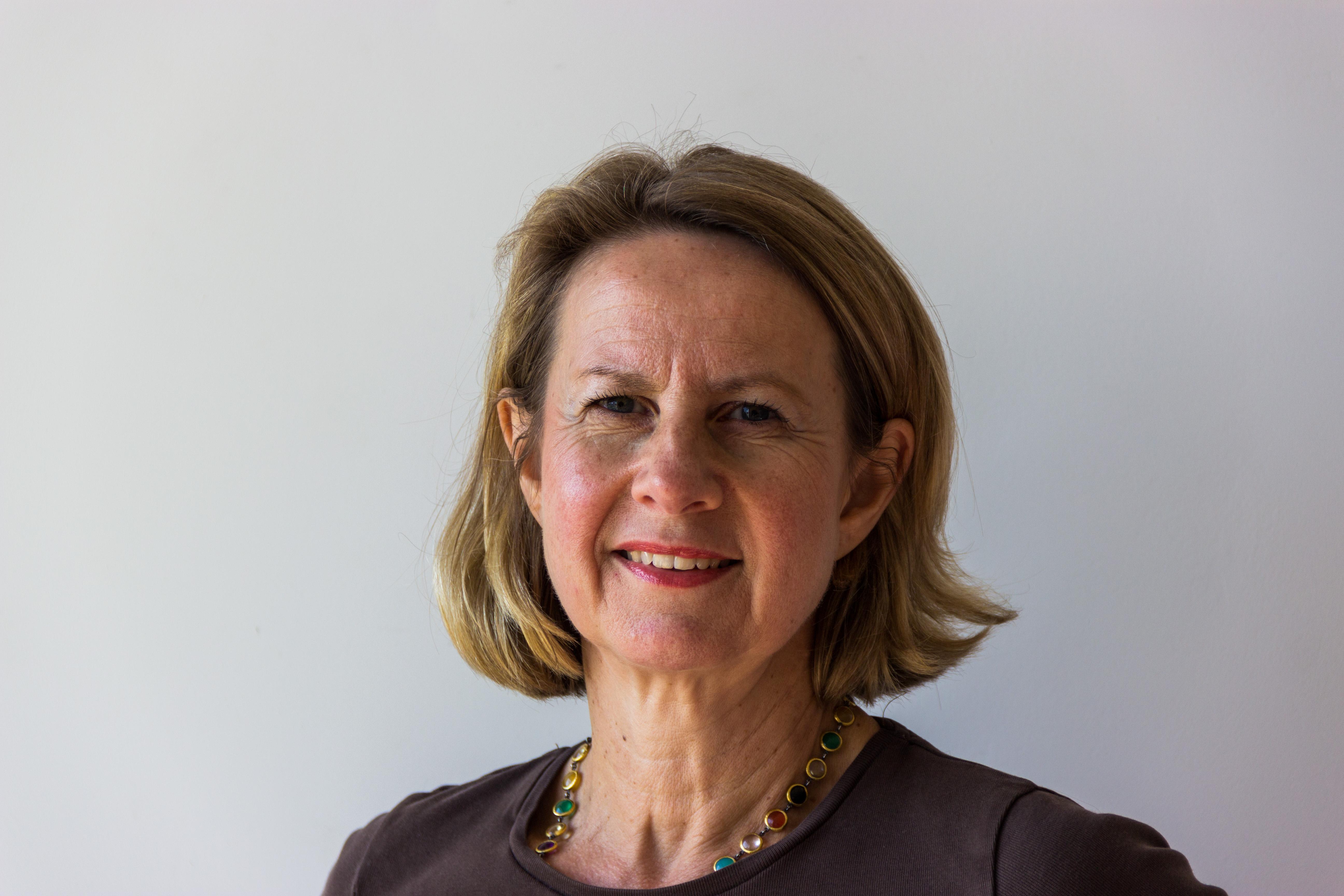 Annette Krause-Thiel studierte von 1982 bis 1987 Jura in Berlin und München