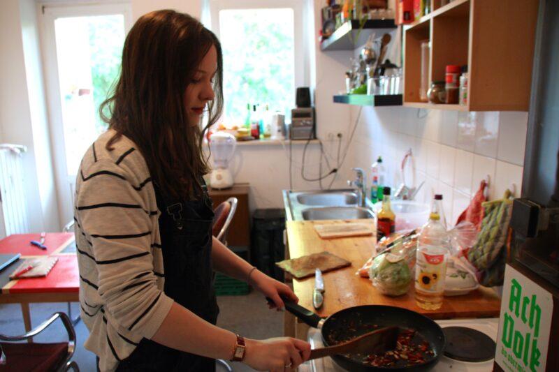 Lieber in der Küche stehen oder auf den Lieferdienst warten? Wir haben den Test gemacht. Foto: Anke Schlieker.