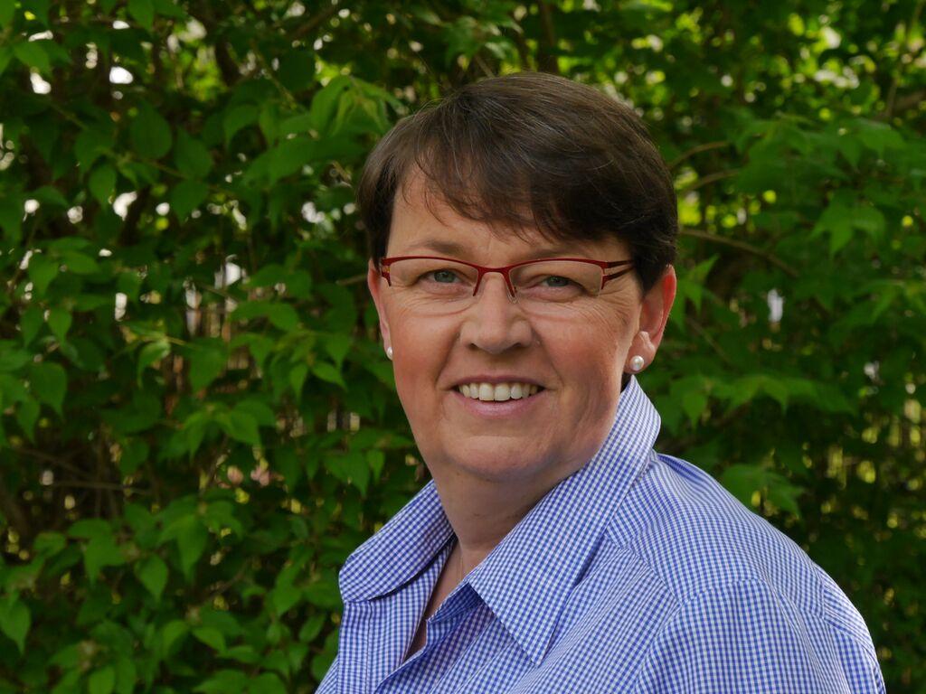 Katrin Schmidt studierte von 1980 bis 1987 Pharmazie