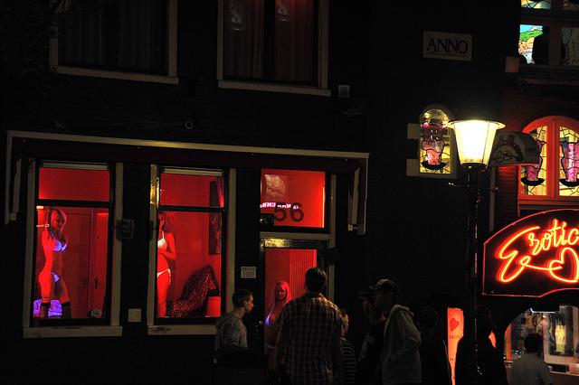 """""""Prostitution ist eine Verletzung der Menschenwürde"""", sagt Mau. Foto: Flickr, Emilio Labrador (CC BY 2.0)"""