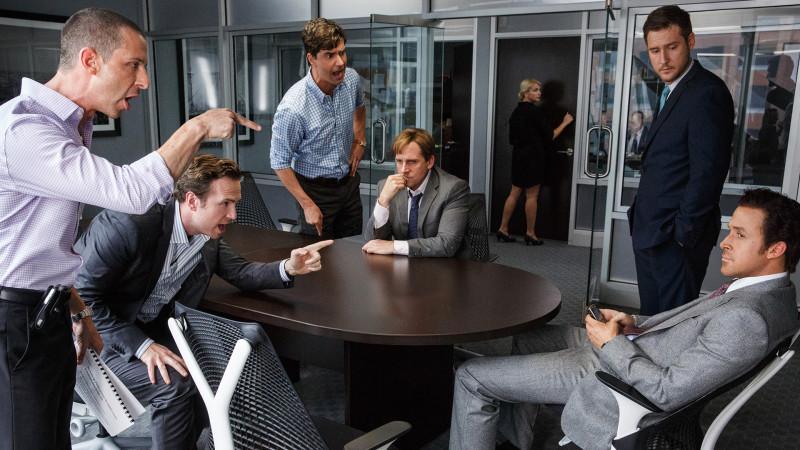 """Wer Männer in Anzügen und hitzige Gespräche mag, wird """"The Big Short"""" lieben. Foto: Presse"""