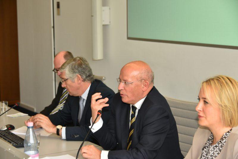 Der portugiesische Außenminister bei seinem Vortrag im Henry-Ford-Bau / Foto: Glyn Lowe