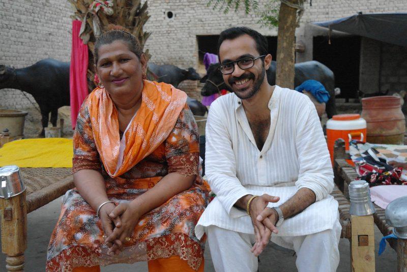Omar Kasmani in einer Hijra Kommune in Sehwan, Pakistan 2012. Foto: Remy Delage