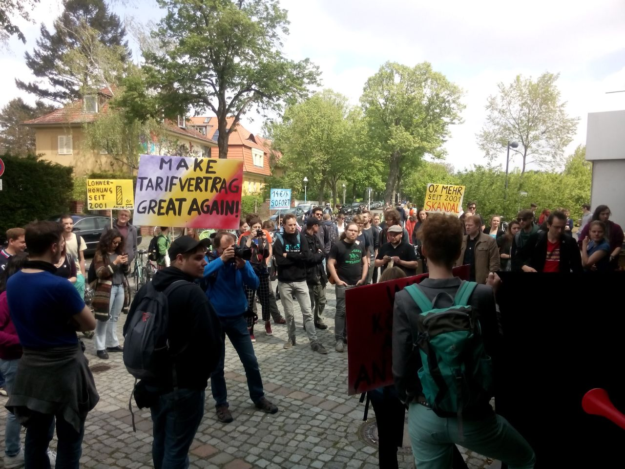 Protest am Montag vor der Silberlaube. (Foto: FURIOS)