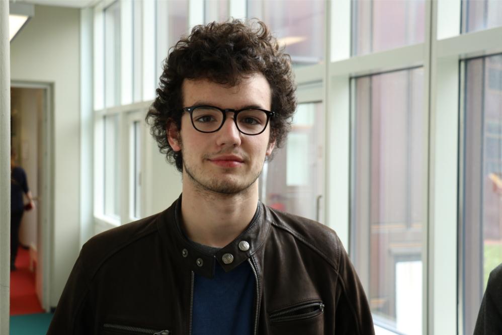 Guillemot, 19 aus Paris, ist für ein Erasmus-Semester an der FU. Auch er sieht in Macron eher den Le Pen-Verhinderer, hofft aber, dass er